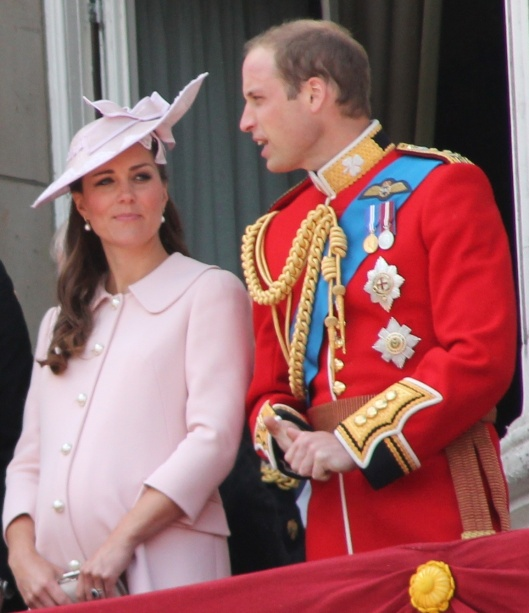 Kate Middleton y el Idiota en día 15 de junio de 2013 (y el mundo será de ellos y de su unigénito George de Windsor y Cambridge nacido un 22 de julio de 2013)